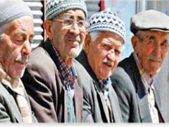 65 YAŞ ÜSTÜNE SOKAĞA ÇIKMA SINIRLANDIRMASI GELDİ